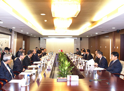 CFDA Vice Minister Wu Zhen meets Japanese pharmaceuticals and medical devices delegation